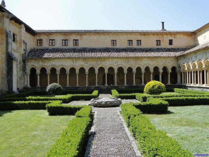 monasterio san andres leon